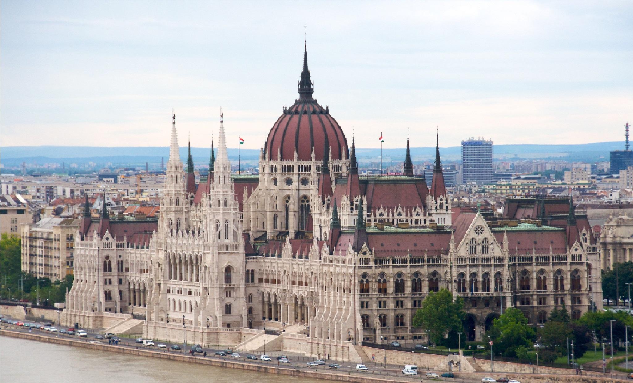 Parlement hongrois, voyage d'affaires en Hongrie