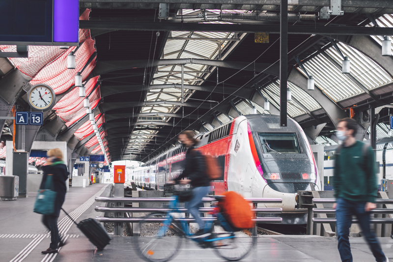 TGV-LYRIA